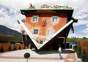 Une Maison Btie Lenvers En Autriche Paperblog