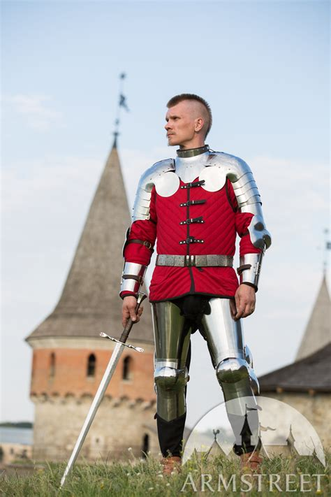 errant squire set  armour gorget pauldrons arms
