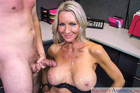 Emma Starr Fucking In The Office With Her Tattoos