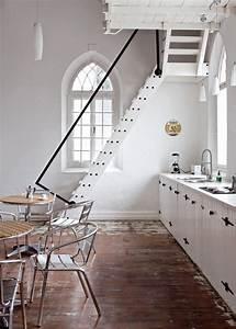 parquet brillant best parquet massif contrecoll stratifi With peindre son parquet en blanc