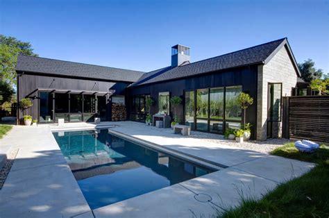 Haus Kaufen Usa California by Contemporary Farmhouse In California Usa