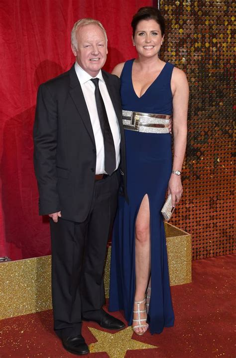 Les Dennis: Family Fortunes star shares poignant message ...