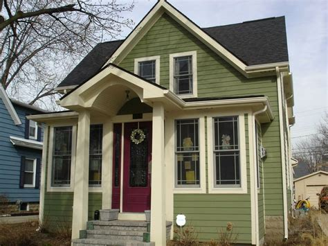 Green Siding, Cream Trim, Black