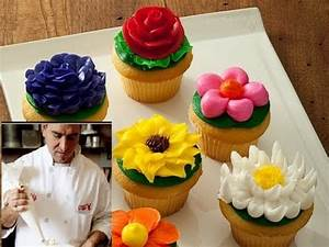 How to ice a cupcake like Cake Boss!! ( Buddy Valastro ...