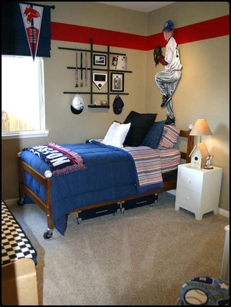 boys sports bedroom 26 best locker room bedroom kids sports bedroom images on 10939 | 8d666c58feb5f7c6c6763e58d6ea280d red stripes wall stripes