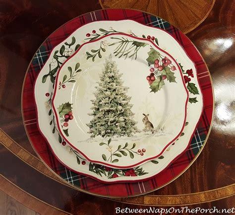 tartan chargers   holiday table christmas