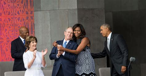 bush letter to obama and george the embrace seen around the world 47566