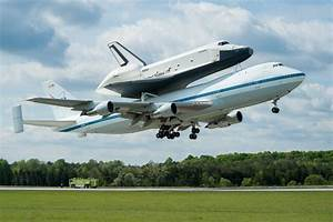 The Aviationist  U00bb The Space Shuttle Enterprise Flying Over