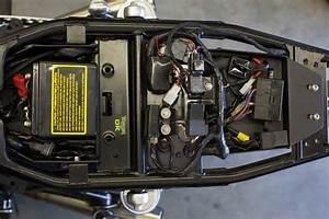 Iron Cobra U0026 39 S Triumph Lay Down Battery Box Kit  U2013 Lossa