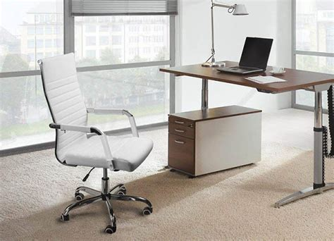 7 Best Minimalist Office Chairs That Will Transform Your