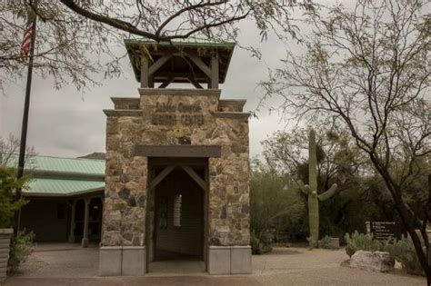 tucson visitors bureau entrance to the visitor center picture of sabino