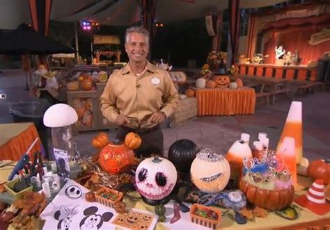 halloween decorating tips  disneyland      home  disney blog
