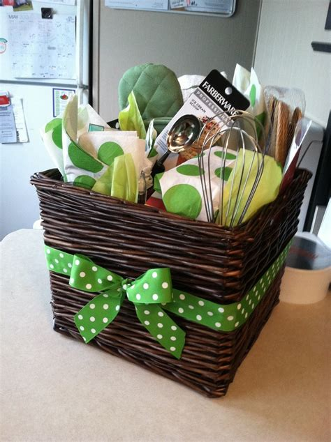 images  gift basket ideas shower gifts