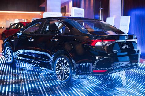 Hybrid theory: (Briefly) driving the Toyota Corolla Altis ...
