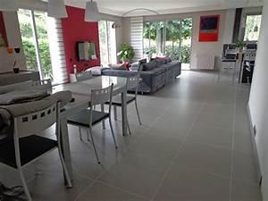 salle manger carrelage gris With salle À manger contemporaine avec cuisine avec carrelage gris clair