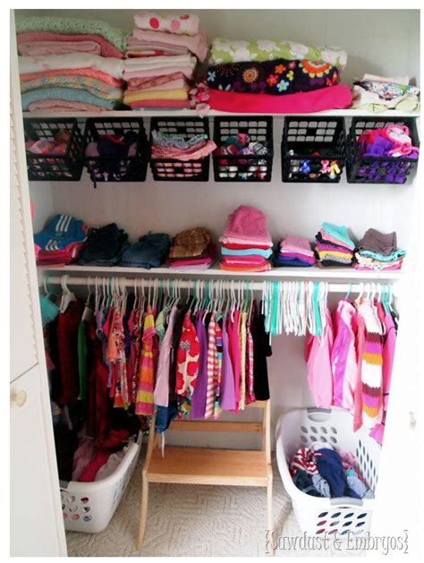 organizing a small bedroom with lots of stuff c 243 mo organizar la ropa de beb 233 s ahorradoras