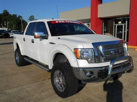 find  lifted  ford   lariat crew cab pickup