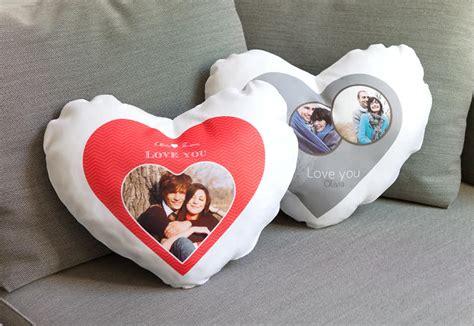 coussin en coeur personnalise id 233 e cadeau original coussin personnalis 233 en forme de coeur