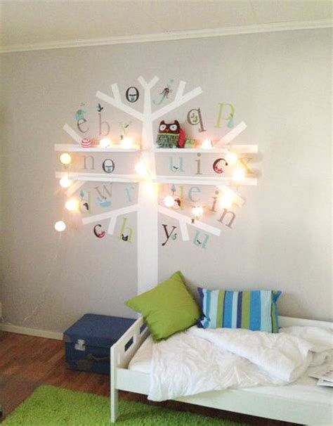 chambre bébé décoration murale etagère rangement mural pour chambre d enfant