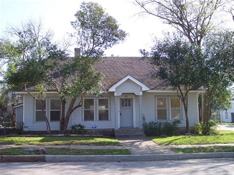 3 Bedroom Houses For Rent In Waco Tx by 1001 N 29th Waco Tx 76707 Owner Will Finance