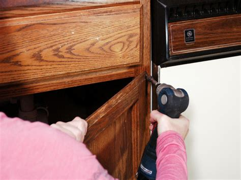how to remove paint from wood kitchen cabinets how to paint kitchen cabinets how tos diy 9829