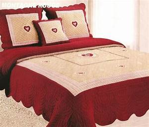 Couvre Lit Blanc : couvre lit rouge montagne table de lit ~ Teatrodelosmanantiales.com Idées de Décoration