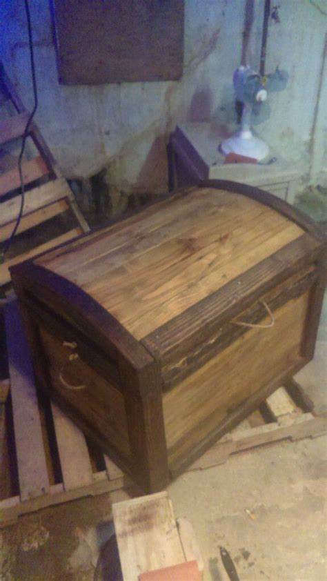 amazing  cost arch topped pallet trunk pallet trunk