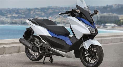 Pcx 2018 Vs Forza by Honda Forza 125 2015 Essai Vid 233 O Exclu