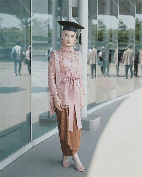 model kebaya muslim  wisuda dresses