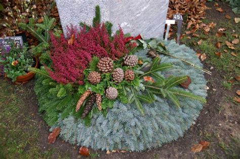 Im Herbst Und Winter by Die Besten 25 Grabbepflanzung Winter Ideen Auf