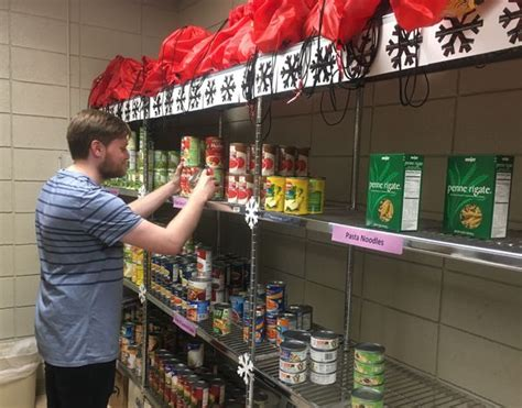 Grand Rapids Food Pantry Grcc Increases Efforts To Tackle Student Homelessness