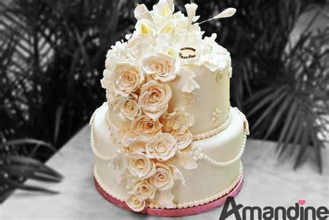 g 226 teau de mariage fleurs en p 226 te 224 sucre 100 fait picture of patisserie amandine