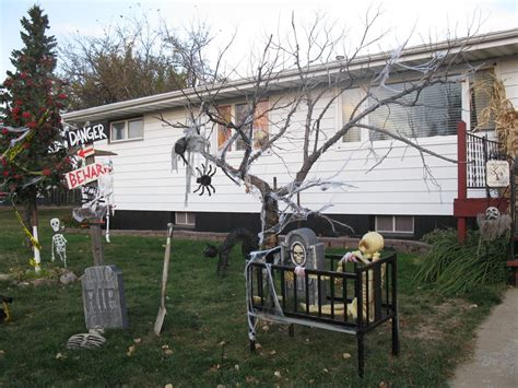 Outdoor Decorations Uk by 48 Creepy Outdoor Decoration Ideas