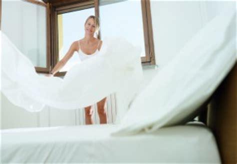 Wie Oft Bettwäsche Wechseln by Bettw 228 Sche Wechseln 187 Wie H 228 Ufig Ist Das Sinnvoll