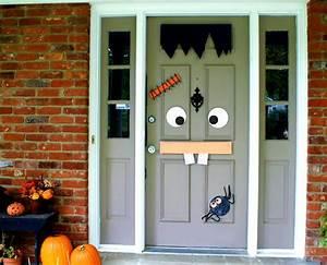 la terrifiante decoration halloween pour la porte dentree With decoration de porte d entrée
