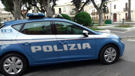 volante polizia polizia di stato questure sul web cagliari