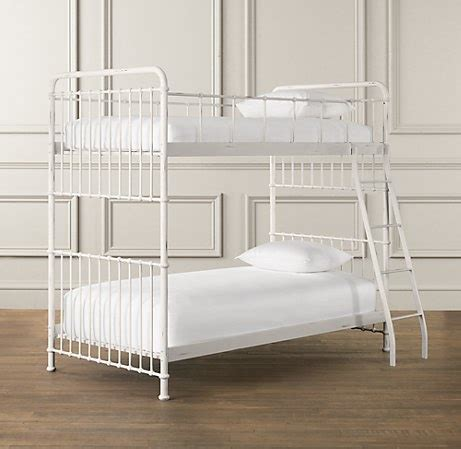 design of small bedroom 30 best bunk beds for ava lola images on pinterest 15138 | 15138bbe7ec32fadf5a4834d2b096e19 bunk rooms bunk beds
