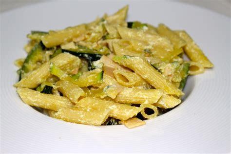 recette de p 226 tes courgettes poulet et ricotta dine move