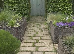 17 meilleures idees a propos de patios de briques sur With wonderful creer une allee de jardin 17 fabrication dune terrasse