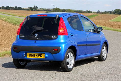 peugeot company car peugeot 107 hatchback review 2005 2014 parkers