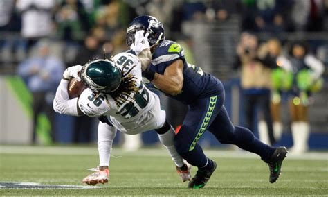 bobby wagner  game time decision heading  sunday  rams