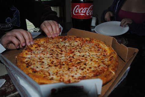 pizza feataz sekiller xeberler yazili