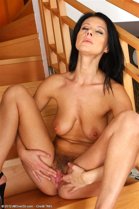 mature and hot enza flick her damp pussylips milf fox