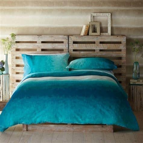 idee deco chambre romantique comment faire un lit en palette 52 idées à ne pas manquer
