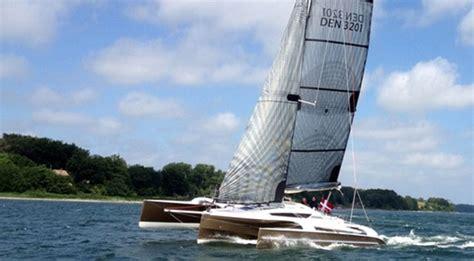 saffier se  review high concept daysailer boatscom
