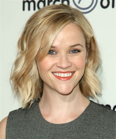hair cuts styles reese witherspoon wavy casual hairstyle light 8850