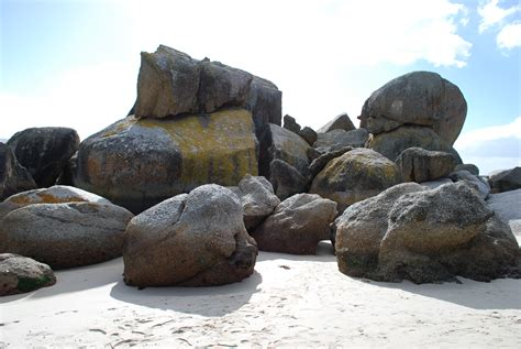 pictures of boulders file boulders beach cape peninsula jpg wikimedia commons