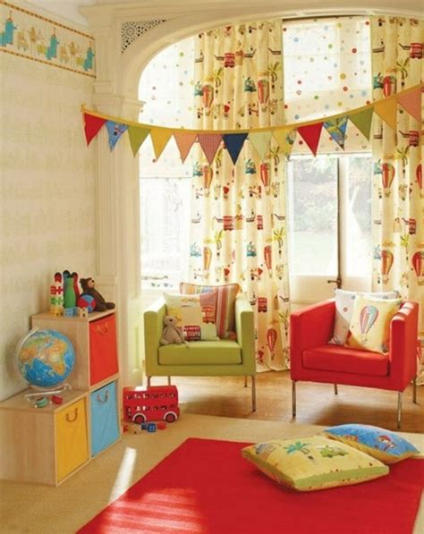 voilage chambre gar輟n idées en 50 photos pour choisir les rideaux enfants