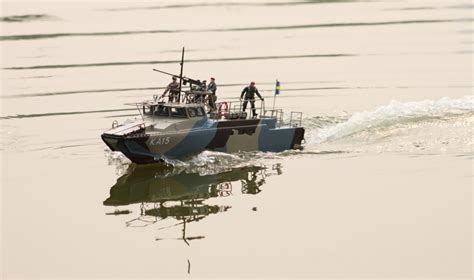 Boat Us Store by Rc Ready To Run Cb 90 Riverine Command Assault Boat
