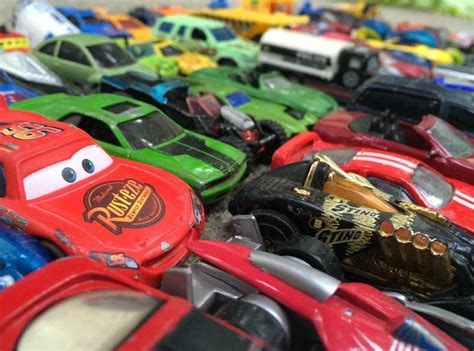 How Many Cars Are There?